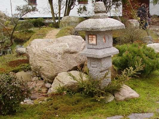 Japansk granitlampe